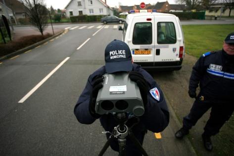 la police municipale de comines dans le nord effectue des controle radar